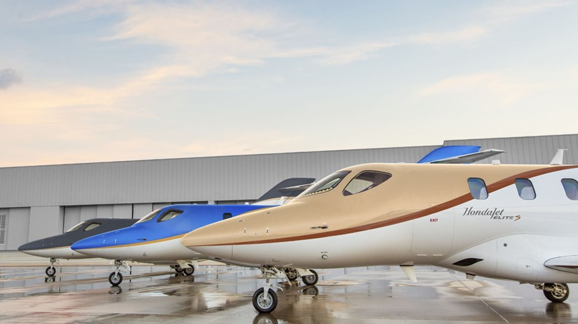 The HondaJet Elite S includes three new exterior paint colors: Gunmetal, Luxe Gold, and Deep Sea Blue. Photo courtesy of Honda Aircraft.