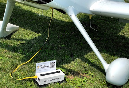 A mini-ground power unit designed for experimental amateur-built aircraft was introduced by electronics company White Lightning. Photo courtesy of White Lightning.