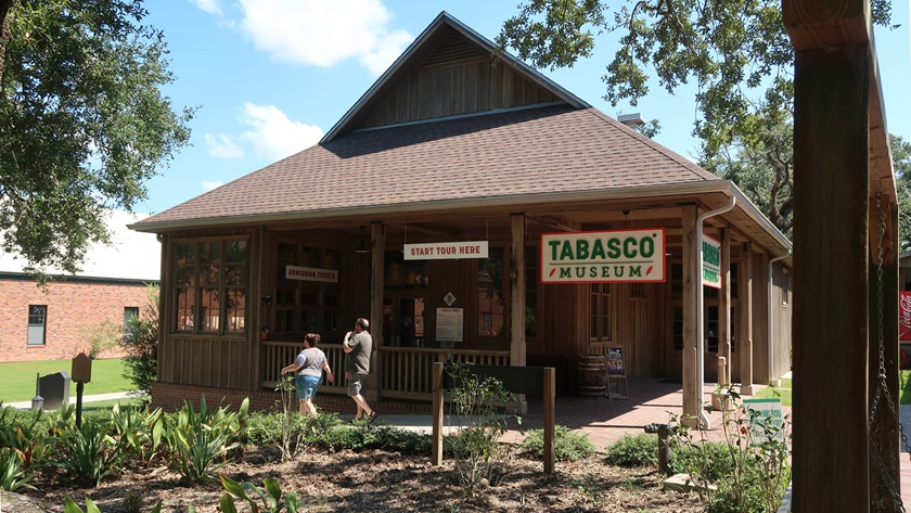The Tabasco factory tour starts at a museum with displays documenting the history of the iconic hot sauce and the family that has produced it since 1868. A souvenir shop and a restaurant featuring regional dishes are next door. Photo by Tom Snow.